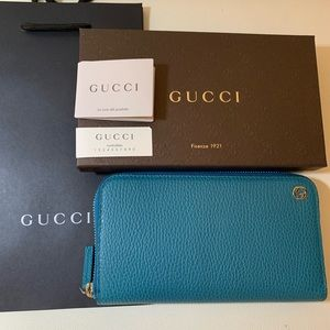 🍃NWT Gucci Deep Cobalt GG Interlocking Wallet